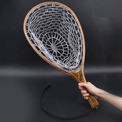 Landing net with rubber mesh